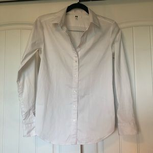 UNIQLO white button down shirt with stretch